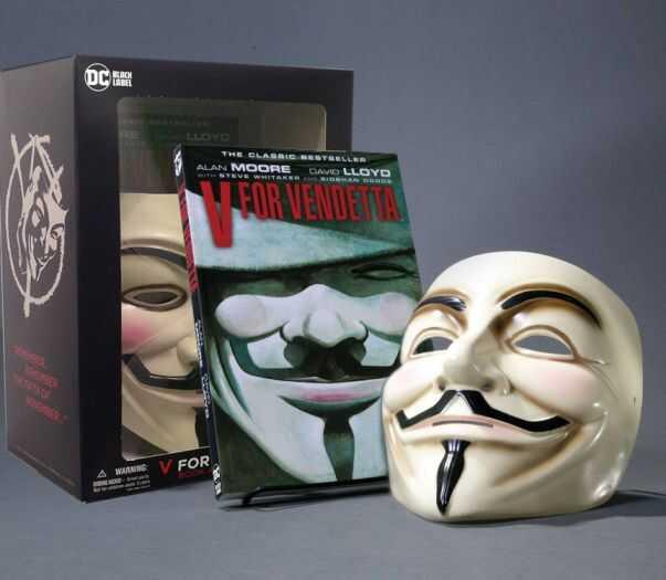 DC - V For Vendetta Book & Mask Set